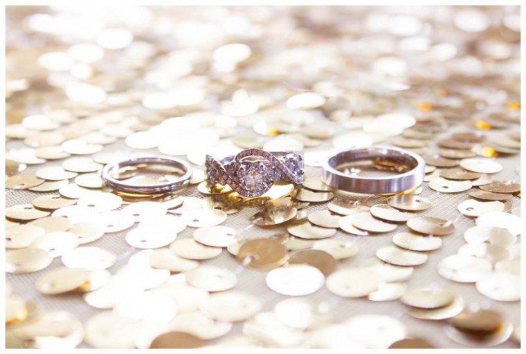 gold_wedding_rings